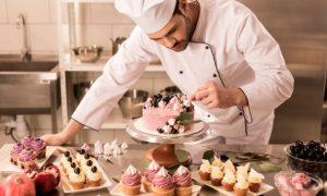 921788748_Cake-Decorator-628x419